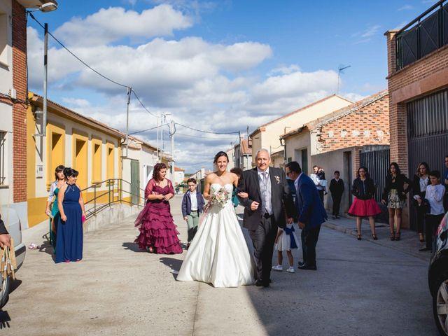 La boda de Sandra y Juan en Navas De Oro, Segovia 23