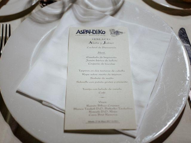 La boda de Javi y Alaitz en Bilbao, Vizcaya 70