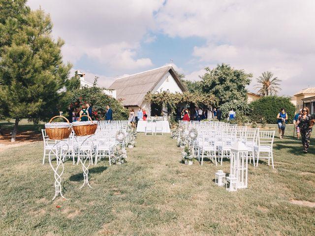 La boda de Agus y Lydia en Catarroja, Valencia 4