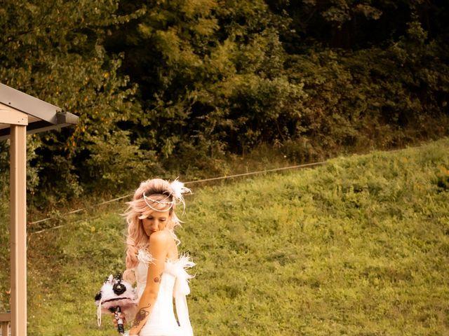 La boda de Hector y Noemi en Gijón, Asturias 27