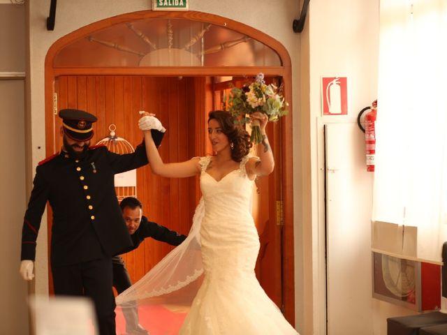 La boda de Juan  y Rocio  en Castelló/castellón De La Plana, Castellón 12