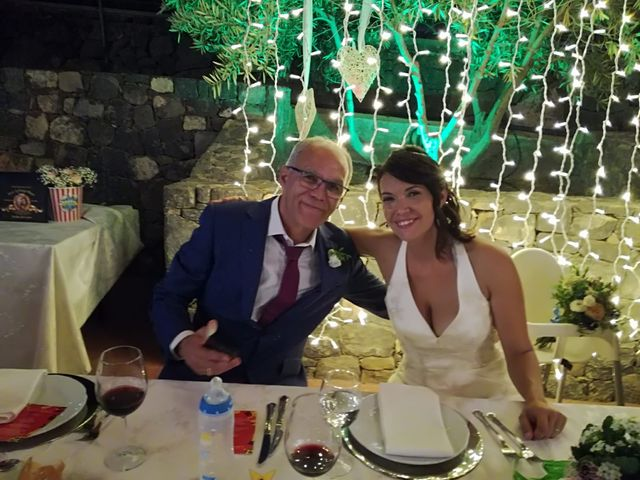 La boda de Antonio Cabrera Luchoro y Erika Martin Perdomo en Telde, Las Palmas 4