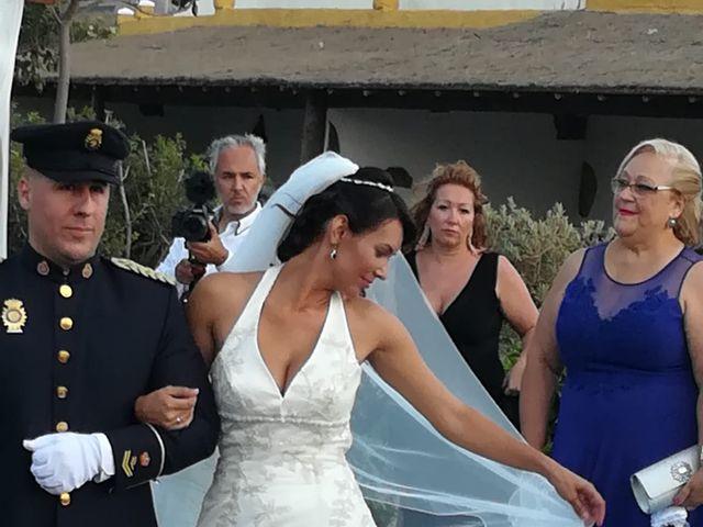 La boda de Antonio Cabrera Luchoro y Erika Martin Perdomo en Telde, Las Palmas 9