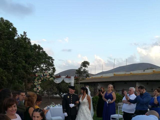 La boda de Antonio Cabrera Luchoro y Erika Martin Perdomo en Telde, Las Palmas 10