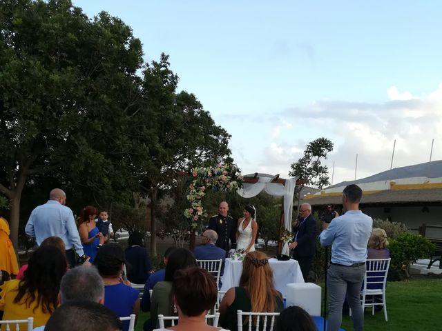 La boda de Antonio Cabrera Luchoro y Erika Martin Perdomo en Telde, Las Palmas 11