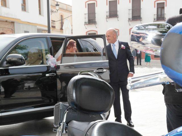 La boda de Paco y Carmen en Almaden De La Plata, Sevilla 14