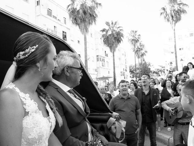 La boda de Ráuj y Ana Maria en El Puerto De Santa Maria, Cádiz 29