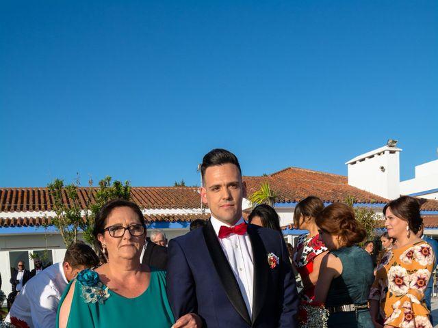 La boda de Ráuj y Ana Maria en El Puerto De Santa Maria, Cádiz 32