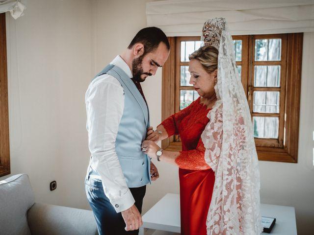 La boda de Javi y Isa en Torre Del Mar, Málaga 30