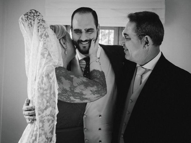 La boda de Javi y Isa en Torre Del Mar, Málaga 31