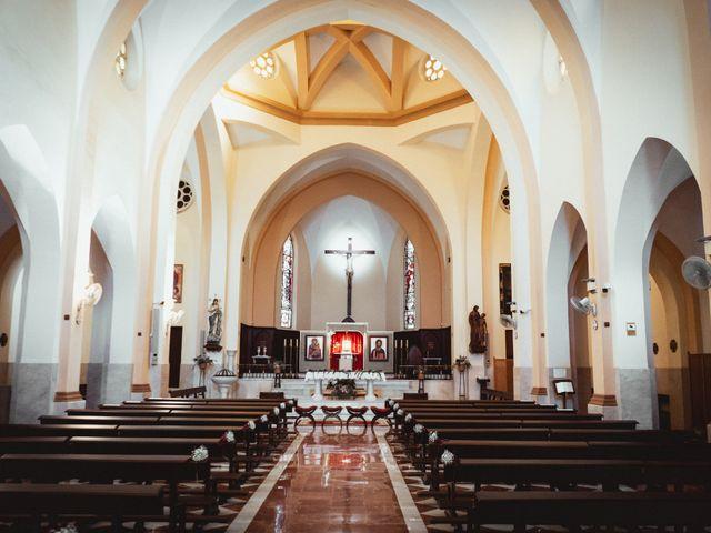 La boda de Javi y Isa en Torre Del Mar, Málaga 33