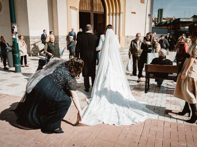 La boda de Javi y Isa en Torre Del Mar, Málaga 36