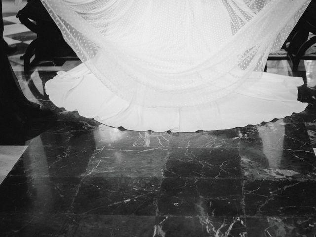 La boda de Javi y Isa en Torre Del Mar, Málaga 41