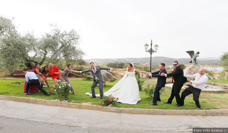 La boda de Paco y Carmen en Almaden De La Plata, Sevilla