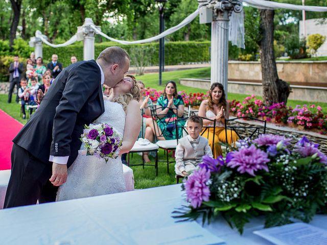 La boda de Fernando y Mari Carmen en Arganda Del Rey, Madrid 1