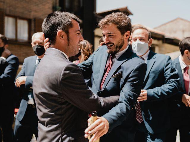 La boda de Irati y Raul en Donostia-San Sebastián, Guipúzcoa 13