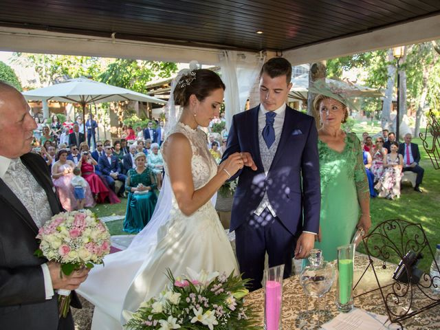 La boda de Adrián y Beatríz en Burujón, Toledo 21