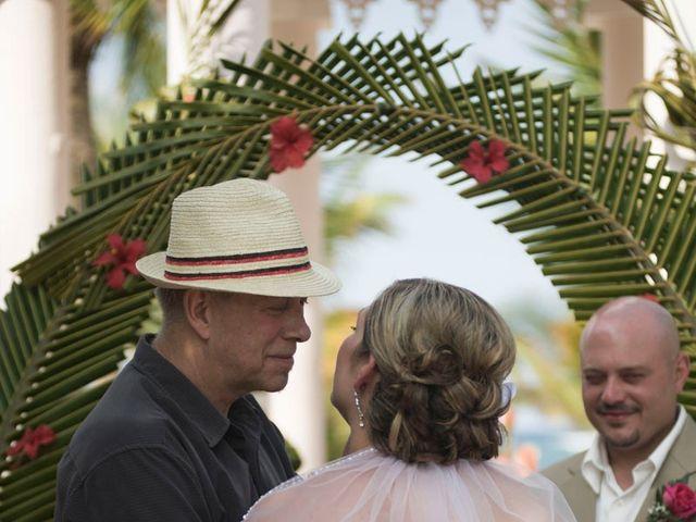 La boda de Mike y Michelle en Santa Cruz De Tenerife, Santa Cruz de Tenerife 84