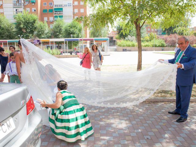 La boda de Víctor y Teresa en Alcorcón, Madrid 57