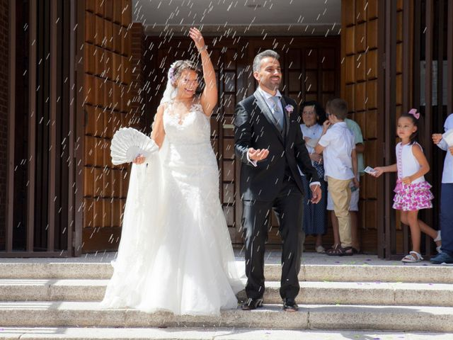 La boda de Víctor y Teresa en Alcorcón, Madrid 102