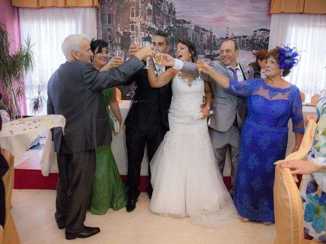 La boda de Víctor y Teresa en Alcorcón, Madrid 126