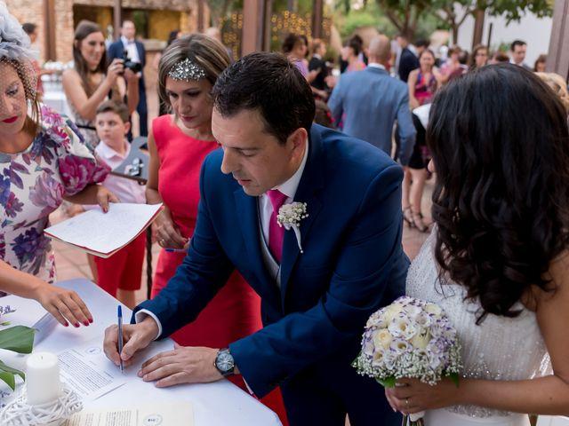 La boda de Kike y Cristina en Carrion De Calatrava, Ciudad Real 27