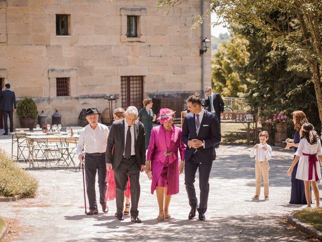 La boda de Alberto y Camilla en Santa Gadea Del Cid, Burgos 14