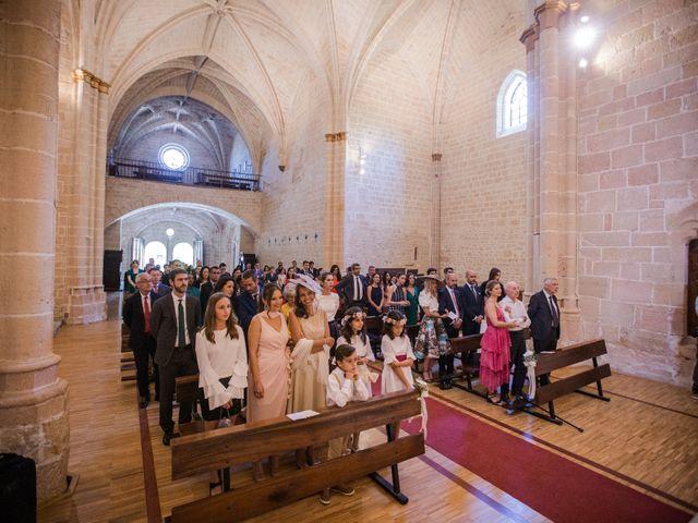 La boda de Alberto y Camilla en Santa Gadea Del Cid, Burgos 19