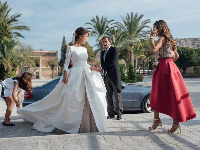 La boda de Macarena y Jesus en El Puig, Valencia 14