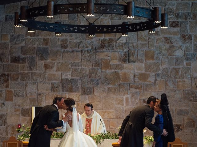 La boda de Macarena y Jesus en El Puig, Valencia 17