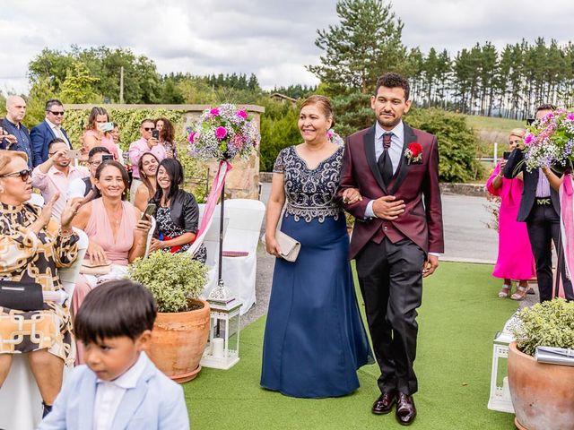 La boda de Santy y Mayra en Lezama, Álava 16