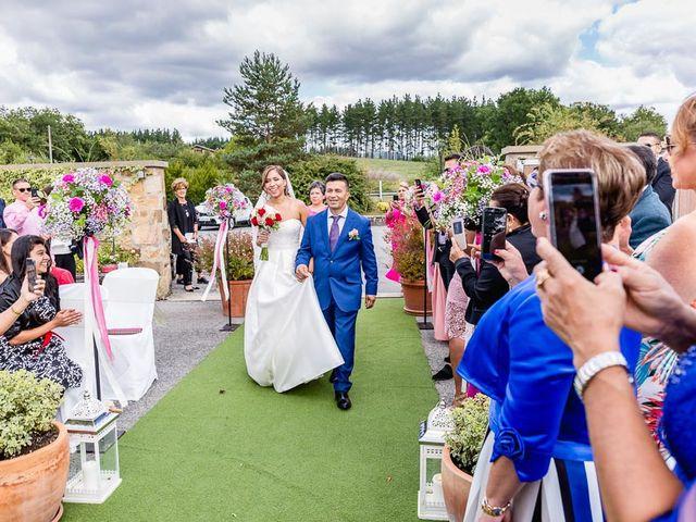 La boda de Santy y Mayra en Lezama, Álava 18