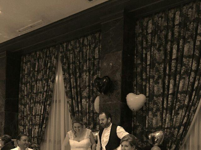 La boda de Luis y Raquel en León, León 1