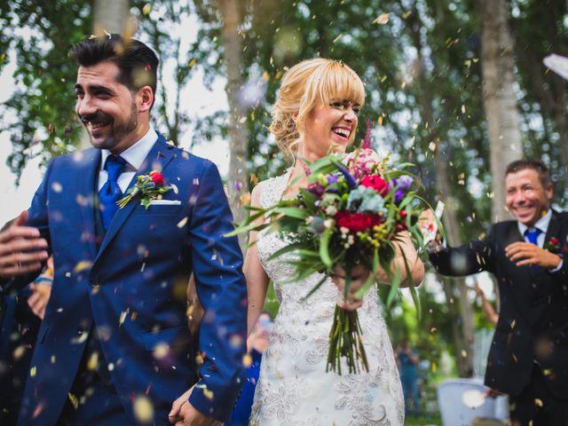 La boda de Felix y Àgueda en Lleida, Lleida 31