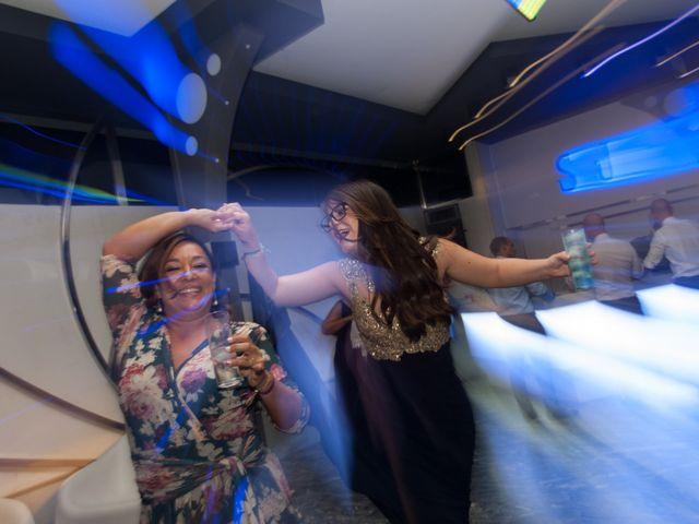 La boda de Andrés y Vicky en Alacant/alicante, Alicante 95