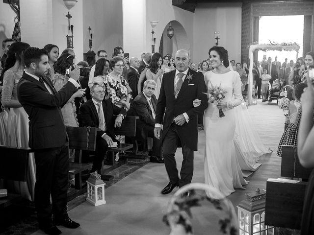 La boda de Miguel y Emi en La Calahorra, Granada 15