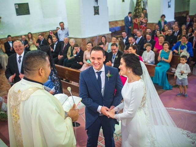 La boda de Miguel y Emi en La Calahorra, Granada 20
