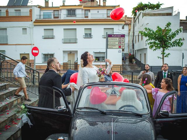 La boda de Miguel y Emi en La Calahorra, Granada 27