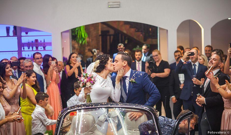 La boda de Miguel y Emi en La Calahorra, Granada