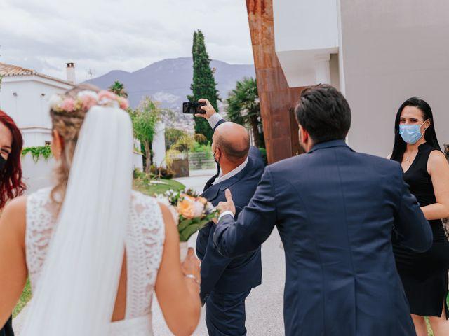 La boda de Victor y Raquel en Granada, Granada 33