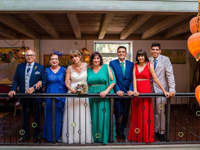 La boda de David y Silvia en Torrelodones, Madrid 42