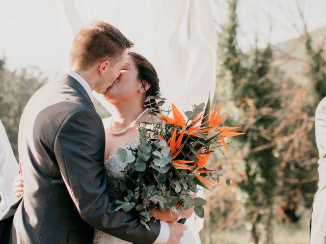 La boda de Toni y Lisseth en El Pont De Vilumara I Rocafort, Barcelona 33