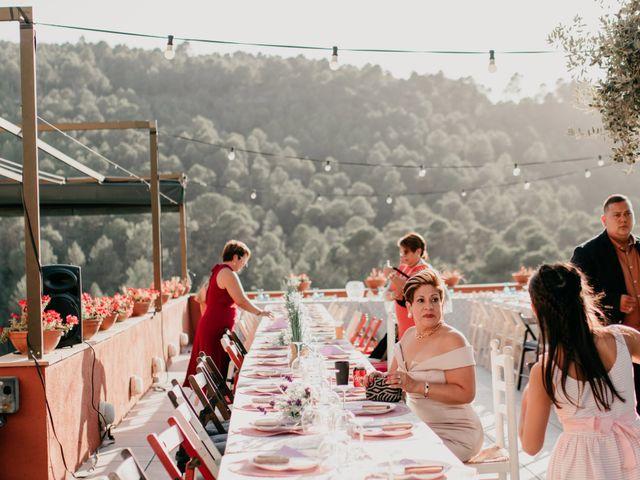 La boda de Toni y Lisseth en El Pont De Vilumara I Rocafort, Barcelona 41