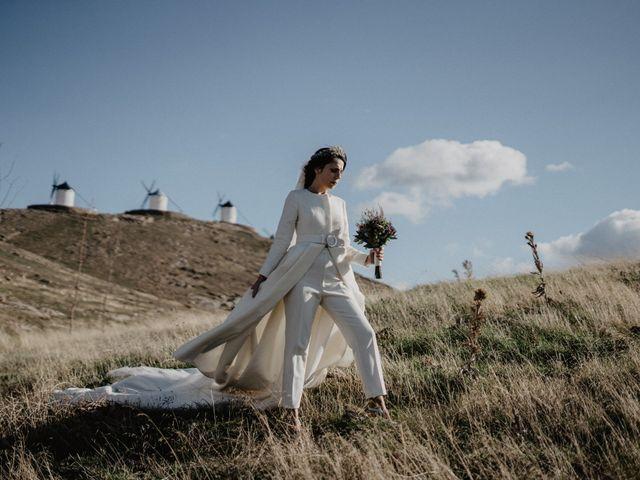 La boda de Cristian y Fatima en Consuegra, Toledo 19