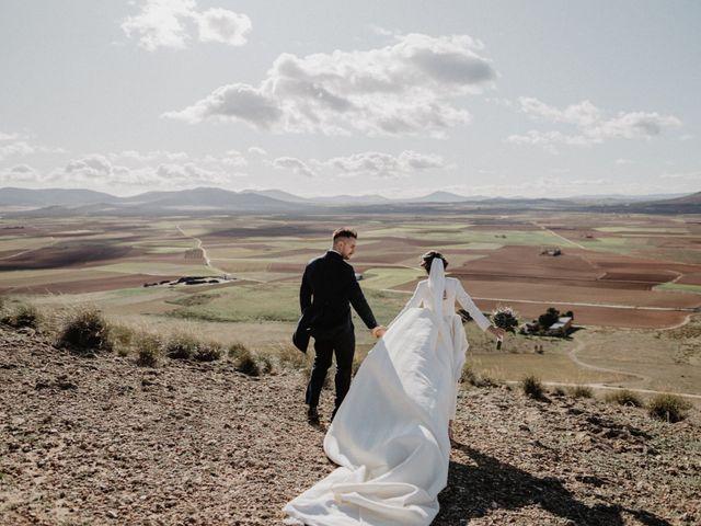 La boda de Cristian y Fatima en Consuegra, Toledo 25
