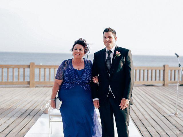 La boda de Javier y Davinia en Retamar, Almería 55