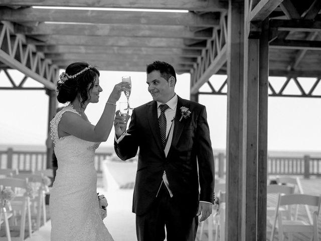 La boda de Javier y Davinia en Retamar, Almería 91