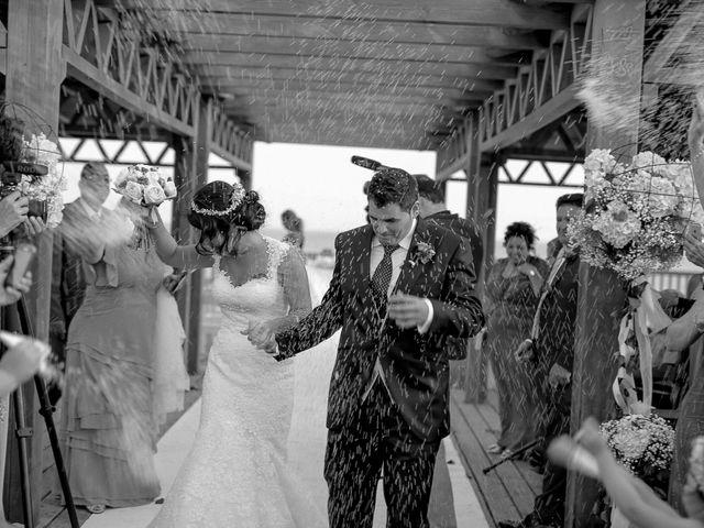 La boda de Javier y Davinia en Retamar, Almería 92