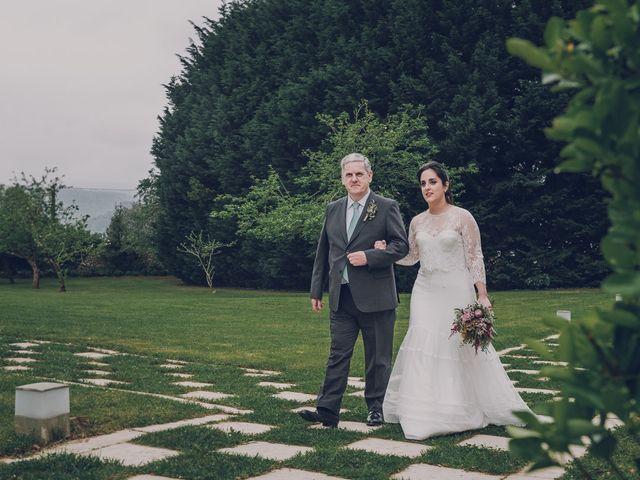 La boda de Julio y Raquel en Villasevil, Cantabria 21