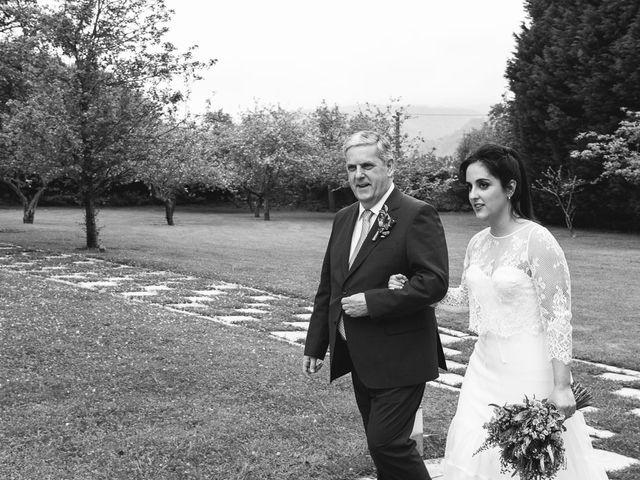 La boda de Julio y Raquel en Villasevil, Cantabria 23